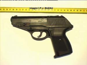 """Pistolul cu care Serseniuc ar fi facut """"ordine"""" în centrul Buzăului"""