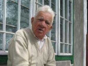"""""""Nu L-am pierdut pe Dumnezeu"""", aşa îşi descrie George Ungureanu forţa care l-a ţinut în viaţă în toţi acei ani"""