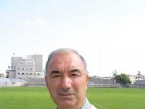 Silviu Stănescu vrea să lucreze în paralel şi la echipa mare şi la juniori