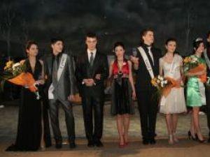 Câştigătorii concursului Miss şi Mister 2008 al Universităţii Ştefan cel Mare
