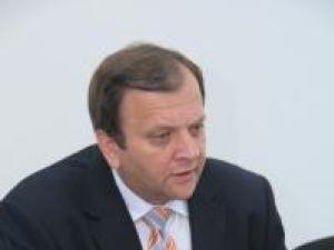 """Gheorghe Flutur: """"Nu dorim să politizăm funcţiile de conducere"""""""