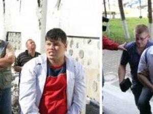 La dosarul penal în care sunt învinuiţi Mândrilă şi Popovici sunt în jur de 40 de file cu transcrieri ale unor convorbiri telefonice purtate între cei doi