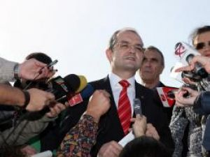 Boc: Decizia Tribunalului Vâlcea privind reducerea salariilor va fi atacată, dar nu poate opri legea. Foto: MEDIAFAX