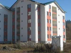Blocurile ANL au fost transformate în muzeu în aer liber de Primăria Câmpulung Moldovenesc
