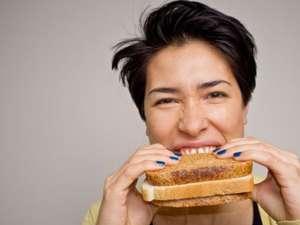 Cel mai ieftin prânz: sandvişul de pâine cu pâine. Foto: Sarah LEE