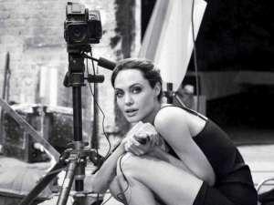 Angelina Jolie: Aş putea rămâne însărcinată din nou