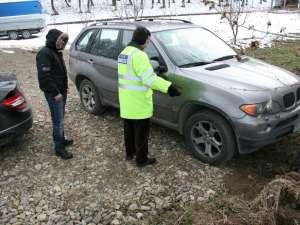 Una din maşinile de lux furate, găsită la  Suceava