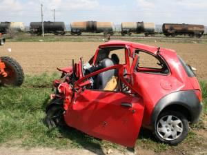 Aşa arăta după impact autoturismul condus de bărbatul de 51 de ani