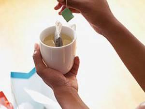 Tratamente pentru frumuseţe cu ceai negru şi verde
