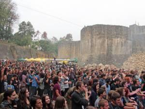 Peste 5.700 de participanţi la Festivalul Internaţional Bucovina Rock Castle