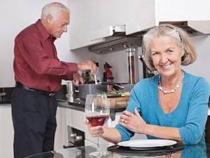 Alcoolul îmbunătăţeşte memoria persoanelor în vârstă