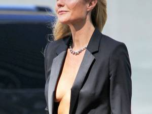 Gwyneth Paltrow, aproape goală pentru Hugo Boss