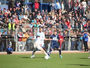 Rapid şi CSMS Iaşi au oferit un meci slab calitativ în faţa unui public numeros