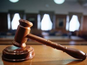 136 de ani de închisoare, pentru 12 suceveni judecaţi pentru trafic de heroină şi cocaină