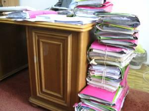 Zeci de dosare aflate în lucru la procurori şi alte zeci aflate în instanţele sucevene trebuie reevaluate