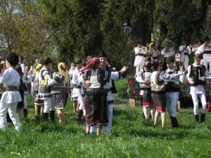 Hora satului la Stupca, aşa cum a fost odată