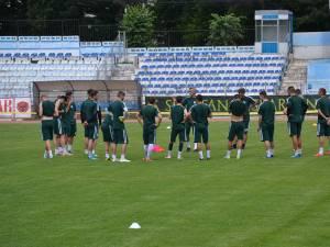 Şedinţele de pregătire continuă în ritm susţinut pentru jucătorii Forestei