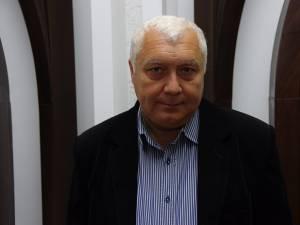 Alexandru Paziuc şi-a înregistrat, ieri, candidatura ca independent la Camera Deputaţilor, la alegerile parlamentare din 11 decembrie a.c.