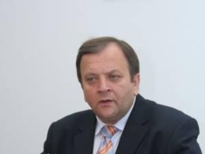 Flutur anunţă că Executivul şi-a dat acordul pentru urgentarea lucrărilor la drumul expres dinspre Siret spre Bucureşti
