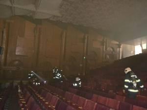 Cluburile, sălile de spectacol etc., verificate de pompieri