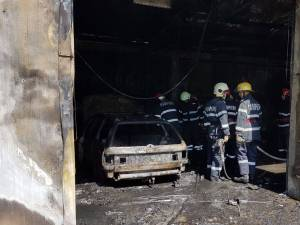 Incendiu la un atelier auto din Dumbrăveni