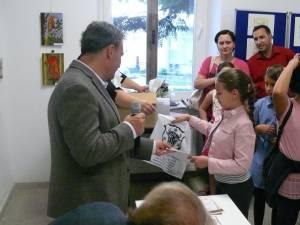 """Premiile acordate de Muzeul Bucovinei la deschiderea expoziţiei Atelierelor de Artă """"Din secretele maeştrilor – lumină şi culoare"""