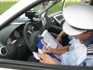 Peste 300 de amenzi aplicate de poliţişti în trei zile de controale în trafic