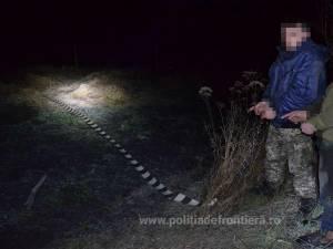 Contrabandişti ucraineni, depistaţi în timp ce intenţionau să introducă ilegal în România 9.000 de pachete țigări