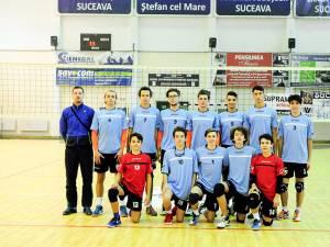 Echipa de volei juniori I LPS Suceava luptă pe teren propriu pentru calificarea la turneul final