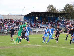 Meciul cu Gaz Metan a umplut stadionul Municipal după foarte mulţi ani