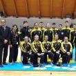 Cei 16 sportivi ai clubului He Pai alături de instructorul Ovidiu Zegrea (dreapta)