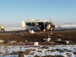 Impactul a fost unul extrem de puternic şi s-a soldat cu moartea a două persoane şi rănirea altor şapte