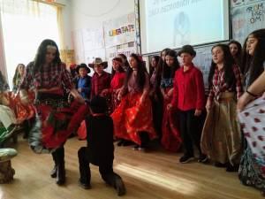 Ziua Naţională a Dezrobirii Romilor, marcată la Şcoala Gimnazială Valea Moldovei
