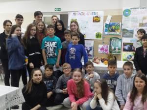 """Ziua Pământului. Activităţi pentru responsabilizarea elevilor faţă de consumul resurselor Terrei, la Colegiul """"Spiru Haret"""""""