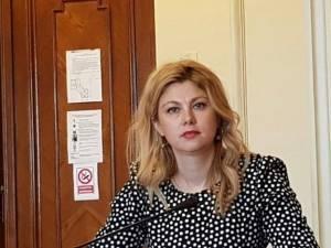 """Maricela Cobuz: """"Guvernul a îngenunchiat sistemul de sănătate din România, pacientul fiind lăsat pe ultimul loc"""""""