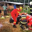 Două persoane au rămas imobilizate într-o fântână. Unul dintre bărbați a fost scos în stare gravă