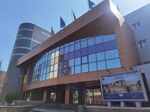 Primaria Suceava revine la programul de lucru în două schimburi, la doar cinci luni după ce a renunțat la el