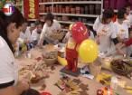 Copii cu nevoi speciale de la Blijdorp au confecţionat ieri felicitări şi colaje de toamnă, la Baumax