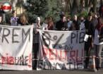 """Protest amorţit şi stângaci al studenţilor Universităţii """"Ştefan cel Mare"""""""