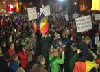Mii de suceveni au ieşit şi aseară în stradă