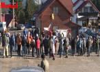 Câteva zeci de persoane au protestat, ieri, față de darea în folosință a platformei de deșeuri de pe Mestecăniș